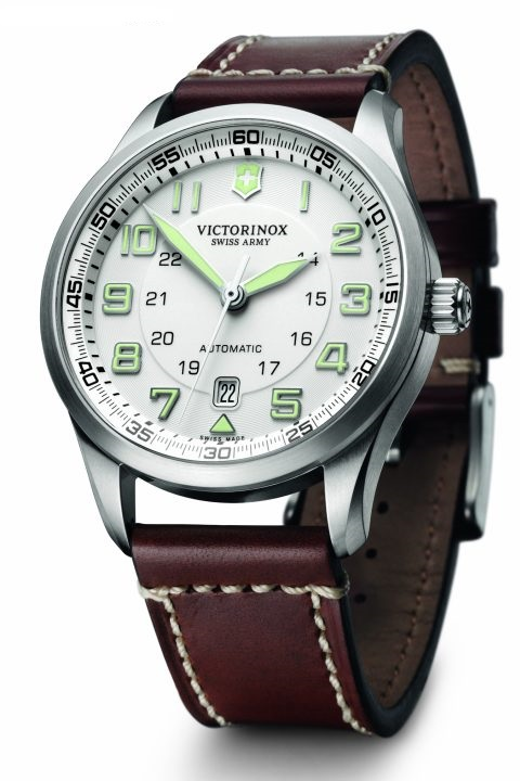 Продать victorinox часы в стоимость шереметьево час парковки